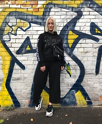 Ellie Fowler - Patta Hoody, Patta Bag, Zara Playsuit, Nike Trainers - WORKWEAR