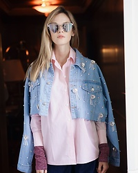 Anastasiia Masiutkina - Anouki Denim Jacket, Saint Laurent Sunglasses - Waiting for the spring with Anouki