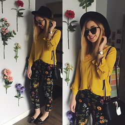 Matylda - Kate Spade Bag, Stradivarius Pants, H&M Hat - Flower power