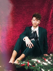 Luke Heywood - Asos Suit - Christmas Party Styling