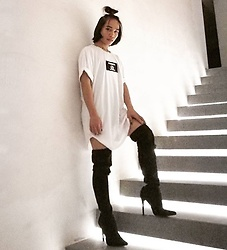 JUN UDAN - Lucky Brand Oversizd Tee, Forever 21 High Knee Boots - AUTHORIZED