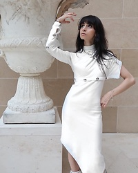 Ellie Nik - Ann Sofie Back Dress - Louvre Lover - NEW blog/vlog up - www.illicitempress.com
