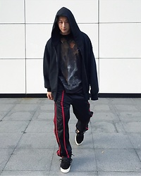 No Rehearsal - Yeezy Oversize Hoodies, Vintage Movie Tee, Labrat Track Pants, Alexander Wang Skate Shoes - 4. Freddy VS Jason