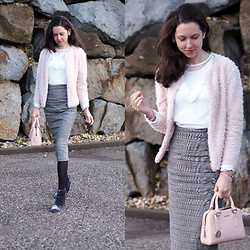 Claire H - H&M Fluffy Blazer, H&M Lace Shirt, Edited Pencil Skirt, Furla Bag Linda - Make a Whish