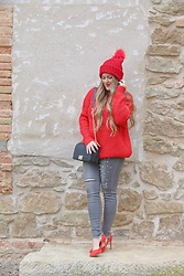Emma MAS - Emma Loves Fashion Red Sweater - Red sweater