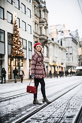 Frances A. - Zara Jacket, Chanel Bag - Christmas Look Nr.2