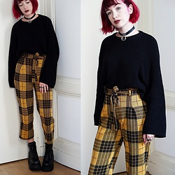 Lea B. - Pull & Bear Pants, Demonia Shoes - Yellow Winter