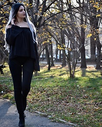 Raluca M - Na Kd Off Shoulder Long Sleeve, Forever 21 Black Jeans, H&M Gold Necklace, Evahair Ombre Grey Hair, Zara Boots - All black outfit