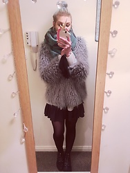 Syla Sassowna - H&M Faux Fur Coat - Minter Winter