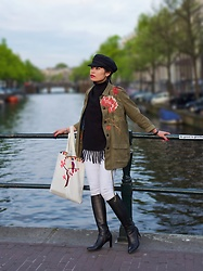Thuy Bee -  - Glam in Amsterdam
