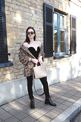 Anna Puzova - Rosegal Bodysuit, Stuudio Nahk Bag, Rosegal Boots, Rosegal Shades, Whistle + Bango Bangles - BACK AT ANIMAL PRINT