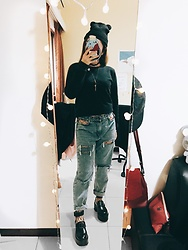 Lingo Chou - Pazzo Sweatshirt, Bershka Ripped Jeans, Trytry Shoes, Zara Beanie - Always need Hosiery🖤