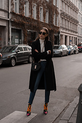 Swantje Sömmer | OffwhiteSwan - Balenciaga Boots, All Items On My Blog - Black Coat, Skinny Jeans & Balenciaga Knife Boots