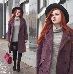 Anya Dryagina - Rosegal Halloween Elastic Waist Feather Decorated Skirt, Rosegal Winter Larger Brimmed Fedora Jazz Hat, Asos Mohair Coat - Mohair and feathers