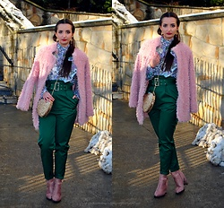 Natalia Uliasz - Zaful Blouse, Dresslink Pink Fur, H&M High Waisted Pants, Sammydress Bag, Deezee.Pl Pink Boots - Christmas time