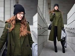 Ewa - Romwe Khaki Jumper, Gamiss Khaki Long Coat - Army green