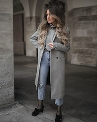 Hristina Micevska - Grey Coat, Asos Light Blue Mom Jeans, Gucci Pumps - ALL GREY TODAY