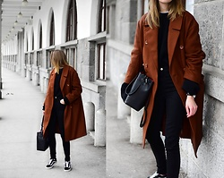 Katarina Vidd - All On My Blog - Brown coat