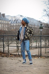 Djala & Laadi - Sneaker, Jean Mom Customized, Military Coat, Jean, Nude T Shirt - Un lundi dans ma vie