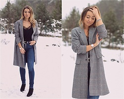 Elena Klimashevskaya - Shein Plaid Coat, H&M Black Top, Guess High Waisted Jeans, Asos Belt, River Island Boots, Pandora, Daniel Wellington Sterling Silver Watch - Prince of Wales Check Coat