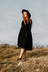 Karole Josefa Bonnet - Son De Flor Dress, Asos Hat - Smock dress