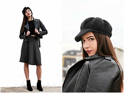 Christy Jaldori - Bershka Top, Stradivarius Midi Skirt, Migato Ankle Boots, Zaful Leather Jacket - JE SUIS CHRISTY