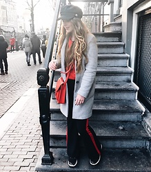 Vera Vonk - Zara Grey Jacket, The Sting Flared Jeans, Bershka Red Sweater, Costes Hat - Amsterdam