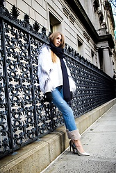 Julia - Zara Sweater, Uniqlo Scarf, Zara Jeans, Zara Heels - Winter wonderland