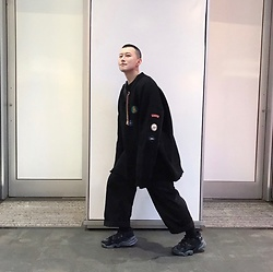 No Rehearsal - Raf Simons Over Oversized Sweater, Facetasm Oversized Trousers, Vetements 90s Style Sneakers - 9. DARK