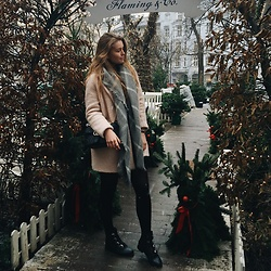 Asia Twaróg - Renee Shoes, Gucci Bag, Zara Coat, Pull & Bear Scarf - Christmas lunch