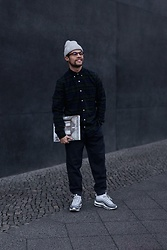 Kevin Elezaj - Nike Sneakers, Gap Trousers, Gap Shirt, Yun Glasses, Nike Beanie - Smile
