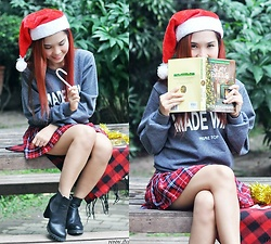 Julie Lozada - Prime Top Apparel Pullover - Holiday Adventure