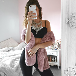 Tia Mcintosh - Shein Pink Fur Scarf, Boohoo Black Square Crop Top, Amazon Silver Statement Necklace - Luxury day