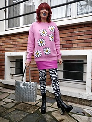 Luna Tiger - Willow And Paige Daisy Jumper, Light In The Box Barbie Pink Vinyl Skirt, H&M Zebra Skinny Pants, Current Mood Discoball Heel Plateform Boots, Auchan Space Bag - TOMORROW NEVER KNOWS