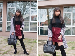 Jelena Dimić - Fashion71 Houndstooth Coat, San Love Black Turtleneck, Shein Burgundy Skirt, Rosegal Black Bag, Exit Black Over The Knee Boots - Back and forth through my mind behind a cigarette