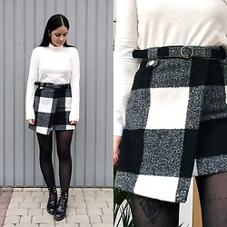 Natalia Pawlik - Romwe Skirt, Mango Turtleneck, Fashion71 Boots - Black or white