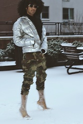 Roger De Monserrath - American Eagle Outfitters Men's Silver Lightweight Down Puffer Coat Jacket, Cape Robbin Clear Boot Heels - A New Year Is Approaching Us!