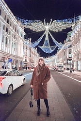 Carla V - Teddy Coat, Louis Vuitton Laureate Desert Boots - Happy New Year!