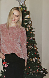 Saule S - Primark Pinky Sweater, H&M Mom Jeans With Embroidery, Accessorize Pink Choker - Happy New Year You Beautiful People!