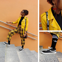 Yara Snow'z - Pull & Bear Yellow Burberry Culotte Pants, Adidas Black Socks, Zara Yellow Leather Jacket, Bershka Black Faux Leather Handbag, H&M Thunder Earrings - Officially Owning Yellow