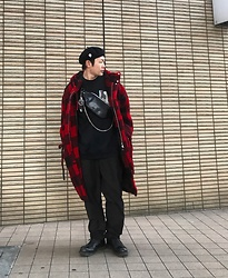 ★masaki★ - Newyorkhat Beret, Ch. Oversized Plaid Coat, Komakino Sweater, Ch. Slacks, Dr. Martens Made In England - Simple Fits