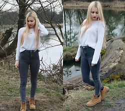Monika - Tally Weijl Sweater, Bershka Grey Pants - Sweater and jeans