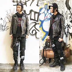 @KiD - Ch. Black Leather Riders, Funk Plus Studs Choker, Number (N)Ine Meshed Hoodie, Komakino Anti, Diy Crust Pants, Dr. Martens Combat Boots - JapaneseTrash274