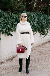 Meagan Brandon - Sweater Dress, Gucci Belt, Similar Bag, Slouchy Knee Boots - 3 Easy Tips for Styling an Oversized Dress