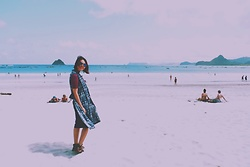 Yunita Ningsih -  - Beach day