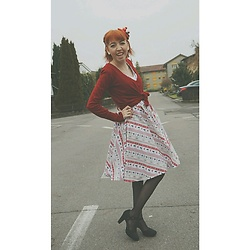 Elsi -  - Christmasdress