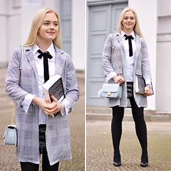 Natalia Piatczyc - Gamiss Checked Blazer, Bonprix Blue Clutch Bag, Bonprix White Shirt, Bonprix Black High Heels - Exam's look