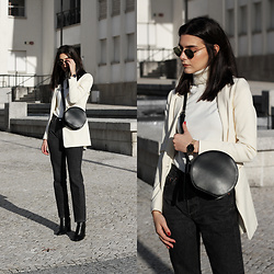 CLAUDIA Holynights - Vipshop Cotton Blazer - Black and White