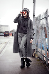 Amy Souter - Primark Hoodie, Charity Shop Find Checked Trousers, Lamoda Platform Boots, Zara Long Wool Coat, Ebay Red Tinted Glasses, Primark Beret - MONOCHROME