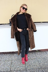 Anna Borisovna - Massimo Dutti Shirt, H&M Jeans, H&M Shoes - The Teddy Coat